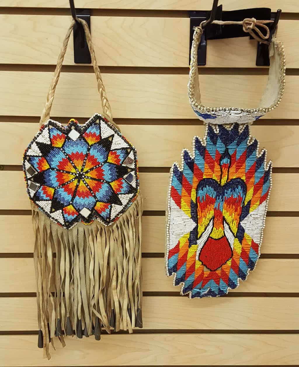 NICE HAND CRAFTED CUT BEADED NATIVE AMERICAN INDIAN CHOKER W/DROP AND PURSE SET – eBay find of the week - PowWows.com – Native American Pow Wows